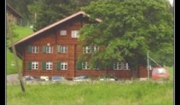 CH-BO-A17-Haus-Sommer.jpg